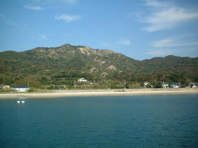 立石山 福の浦漁港 こちらも釣りの名所で、防波堤内は足場もよくトイレもあり、 ... 志摩サンセ